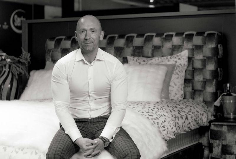 Sander van Klompenburg en nieuw matras