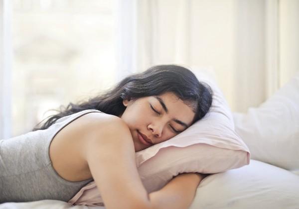 slapen op een Mline kussen